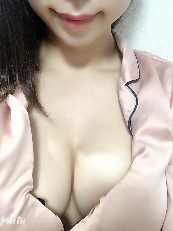 6/21デビュー相坂のあ